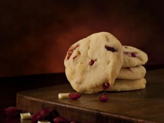 white chocolate chunk cranberry shortbread cookies